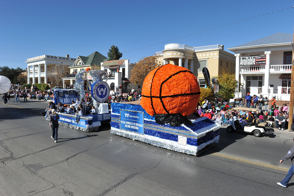 2010 parade float representing the Sun Bowl basketball tournament